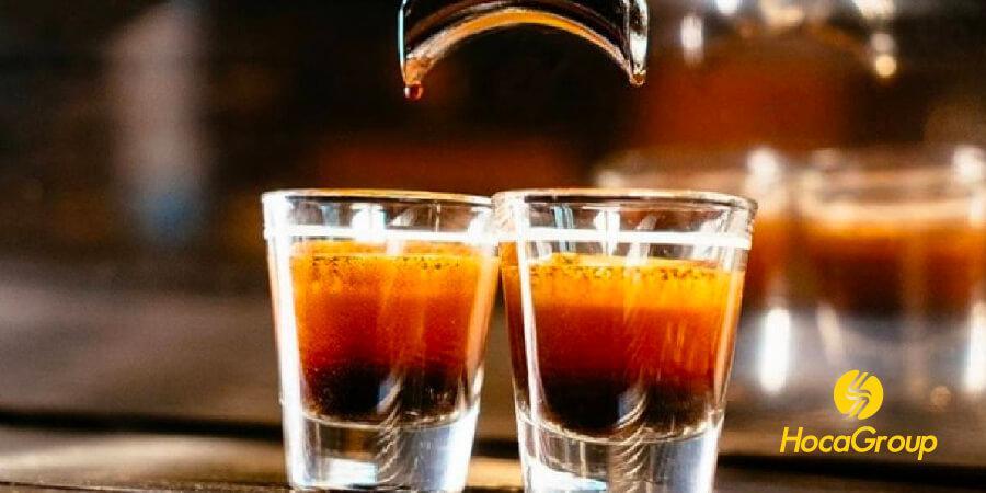 Những tách cà phê espresso từ cà phê hạt rang mộc