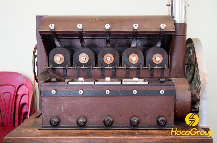 Một chiếc máy rang cổ tại Vits ở Munich, Đức