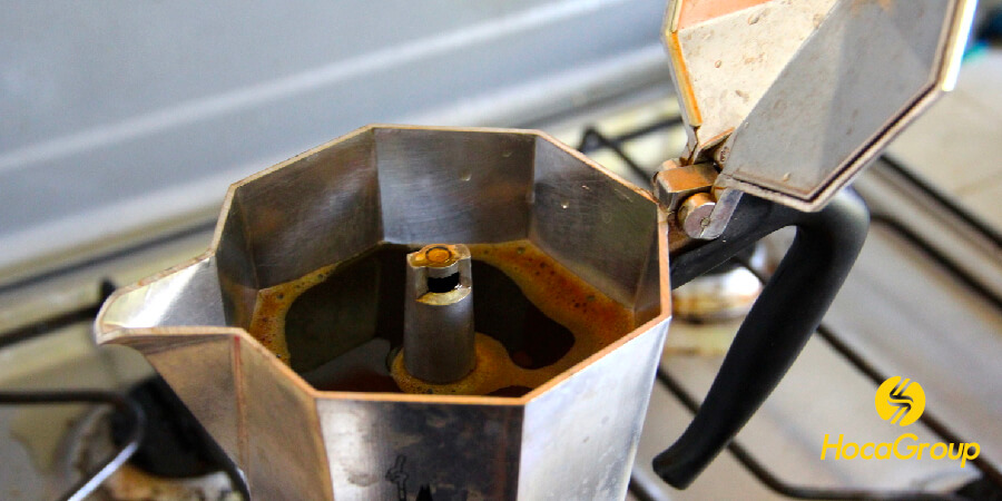 So sánh Ấm Moka vs Máy Pha Cà Phê Espresso
