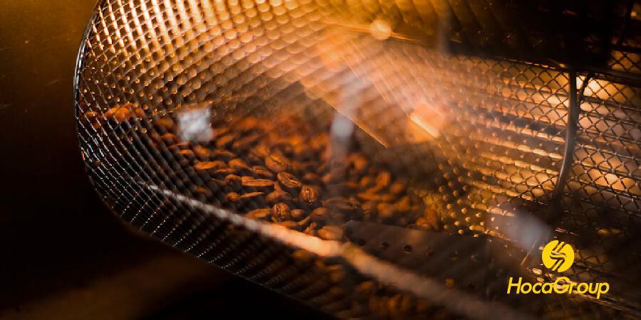Hạt cà phê bên trong trống rang cà phê